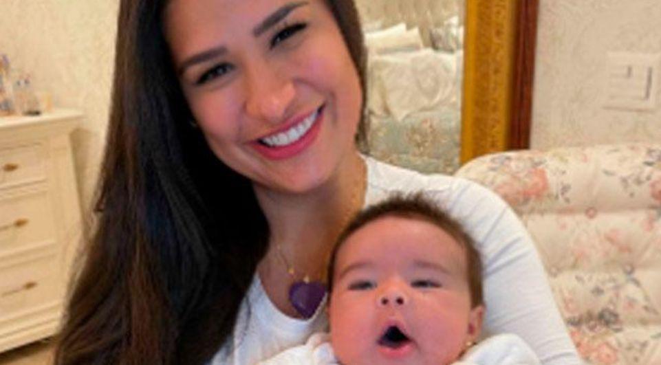 Zaya, filha de Simone, é flagrada em pose fofa e encanta web - Reprodução/Instagram