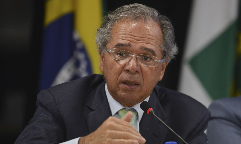 'Não podemos no meio da guerra julgar os crimes de guerra', diz Guedes, sobre CPI - Agência Brasil