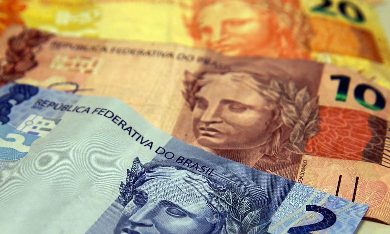 Famílias com dívidas em atraso crescem para 67,3% em abril - Agência Brasil