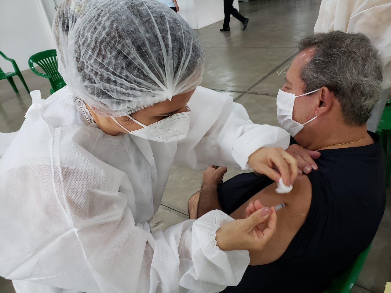 Número de vacinados contra a covid chega a 32,3 milhões; 15,2% da população - SBT Interior