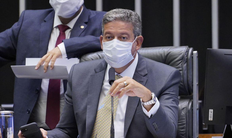 Aprovado texto-base de projeto que permite empresas comprarem vacinas - Agência Brasil