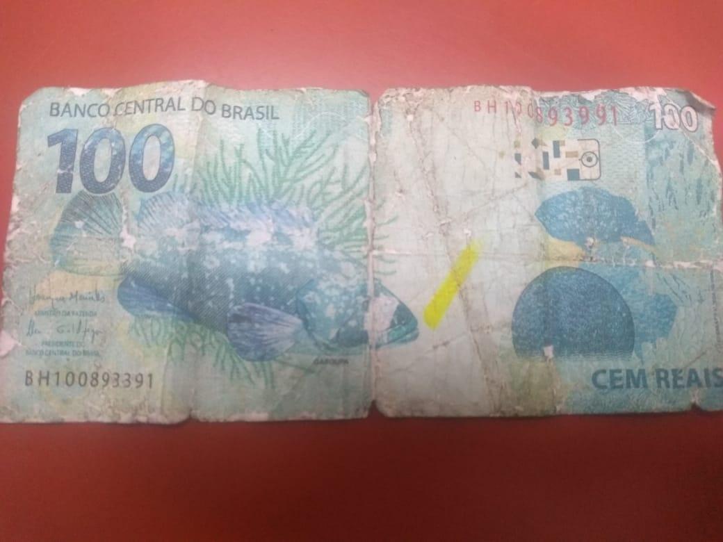 Polícia procura mulher que comprou trufas de menino em semáforo com nota falsa  - Divulgação/SBT