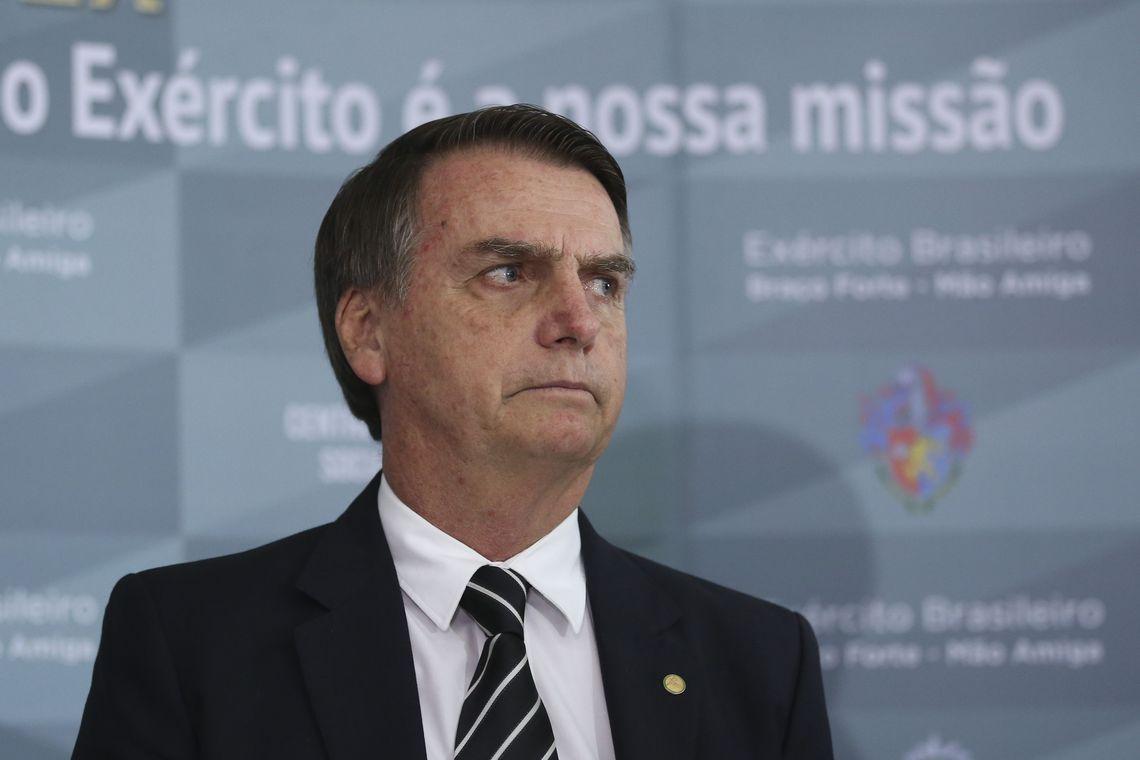 Bolsonaro afirma que decisão sobre uso de máscaras é de estados e municípios - Arquivo/Agência Brasil