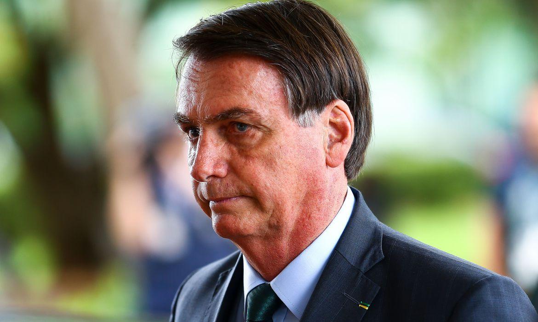 Bolsonaro: povo armado não será escravizado; isso passa pela Câmara e o Senado - Agência Brasil