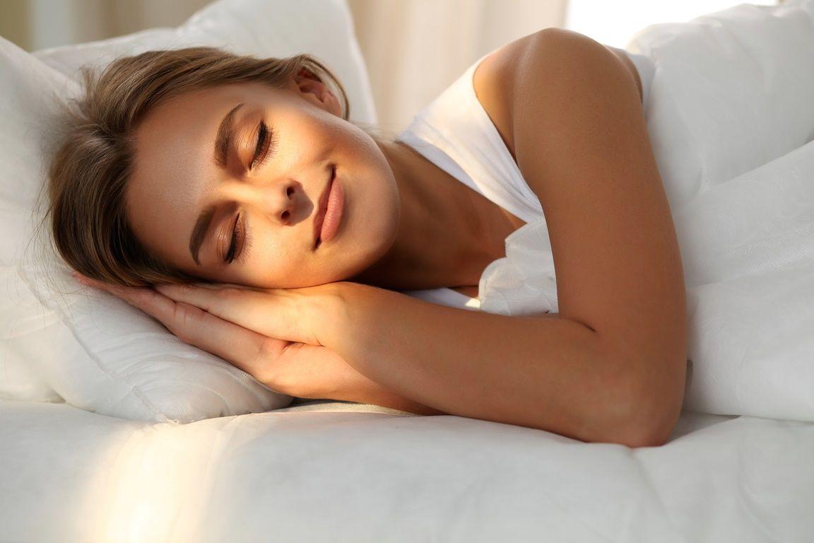 A melatonina só serve para regulação do sono? Entenda e descubra mais sobre este hormônio -