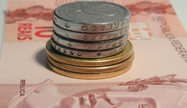 Renegociações com bancos só geram mais dívidas - Crédito da Foto: USP Imagens